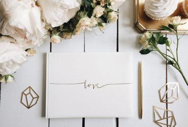 Právě jste se zasnoubili a nevíte, kde začít s plánováním svatby?